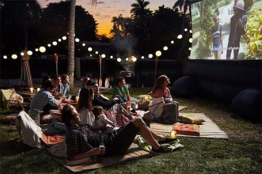 Outdoor movie grande